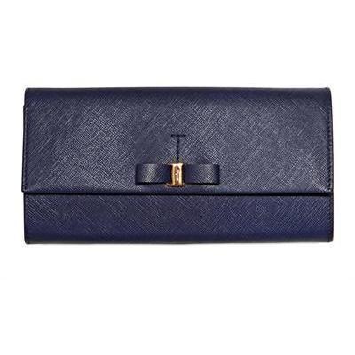 Salvatore Ferragamo Saffiano Leder Continental Brieftasche & Schleife