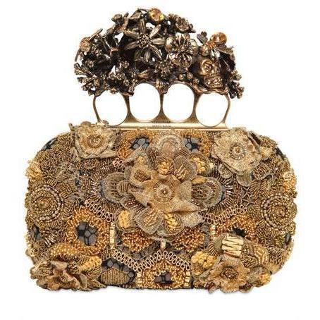 goldbestickte Seiden Knucklebox Clutch von Alexander McQueen